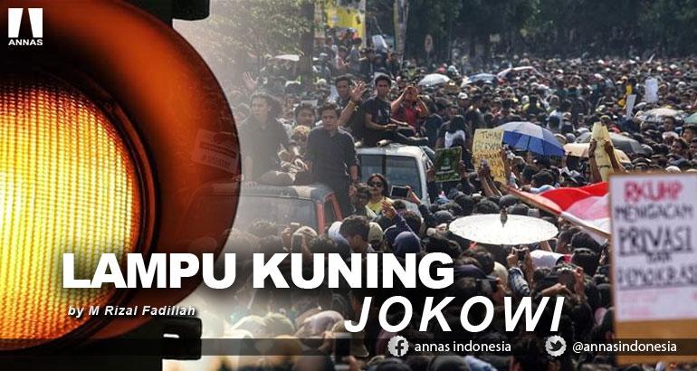 LAMPU KUNING JOKOWI