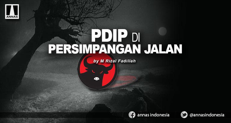 PDIP DI PERSIMPANGAN JALAN