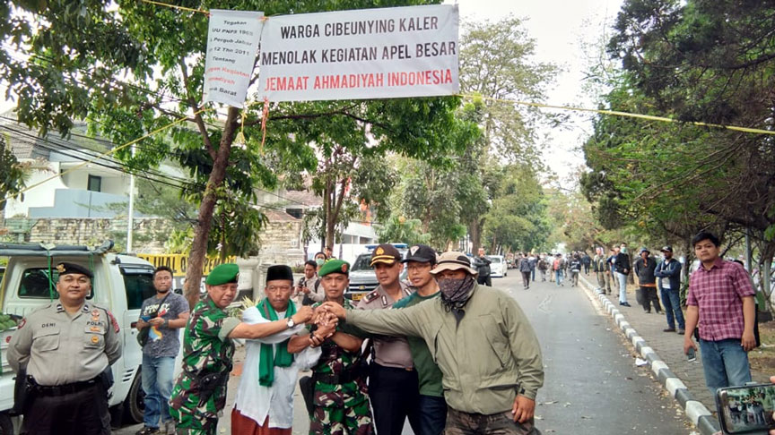 PENOLAKAN APEL BESAR JEMAAT AHMADIYAH INDONESIA | ANNAS ...